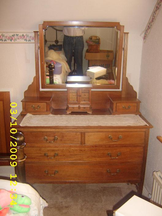 Edwardian Mahogany Bedroom Suite Circa 1910 The